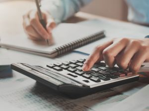 Prowizja z wynagrodzenia dla agencji pracy tymczasowej – fakty i mity